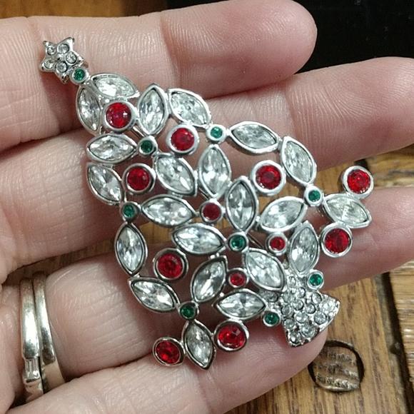 2002 Swarovski crystal Christmas tree brooch